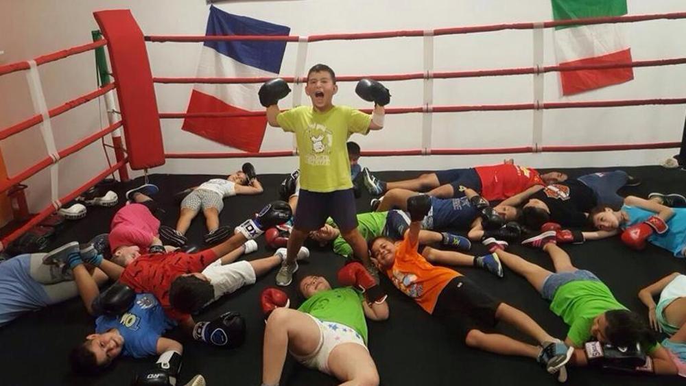 """Il campione che insegna a combattere il bullismo: """"La boxe? Solo sul ring"""""""